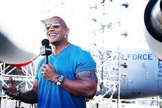 Dwayne Johnson diu que també vol ser president The Rock Dwayne Johnson, Rock Johnson, Dwayne The Rock, Donald Trump, Presidents, Dj, Mens Sunglasses, Celebrities, Instagram Posts