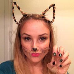 Halloween Hair Tutorial: DIY Braided Cat Ears - HelloLuvvy Girl Hairstyles, Braided Hairstyles, Avant Garde Hair, Crazy Hair Days, Diy Braids, Halloween Hair, Simple Girl, Cat Hair, Braid Hairband