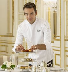 Le Chef, Pastry Chef, Chef Jackets, Chefs, Vanilla, Bread, Artists, History, Cake