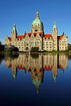 The Town Hall of the city of Hannover Lower Saxony Germany - Deutschland Oh The Places You'll Go, Cool Places To Visit, Places To Travel, Germany Europe, Germany Travel, Wonderful Places, Beautiful Places, Lower Saxony, Wanderlust