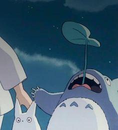 Totoro (gif)