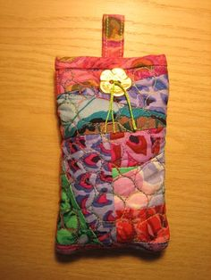 Quilted cell phone or eyeglass case tutorial