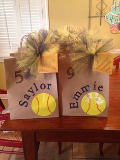 Use volleyballs instead Softball Goodie Bags, Softball Treats, Softball Team Gifts, Senior Softball, Softball Party, Softball Coach, Girls Softball, Softball Players, Football Cheerleading
