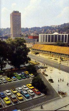 Suhl ca. 1986 | Blick vom Centrum Warenhaus Richtung Waffenmuseum und Stadthalle der Freundschaft