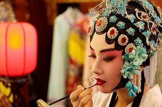 Legend of Facial Make-up in Peking Opera