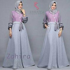 Batik Fashion, Abaya Fashion, Fashion Dresses, Hijab Dress Party, Hijab Style Dress, Muslim Women Fashion, Islamic Fashion, Muslim Long Dress, Moslem Fashion