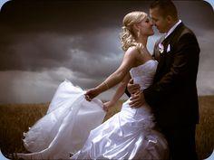 esküvői kreatív fotózás - Google keresés Mermaid Wedding, Wedding Dresses, Google, Fashion, Bride Dresses, Moda, Bridal Gowns, Fashion Styles, Weeding Dresses