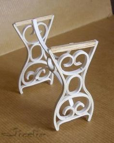 Tables in Victorian style from card stock and wire - in French