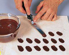 Шоколад: украшение тортов, пирожных, конфет – своими руками