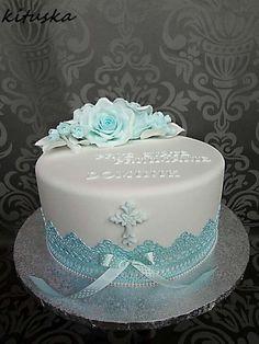 Best 12 Torta na prvé sväté prjímanie. Fondant Shoe Tutorial, Comunion Cakes, Vow Renewal Cake, Fake Wedding Cakes, First Holy Communion Cake, Communion Decorations, Purple Cakes, Unique Cakes, Baby Cakes