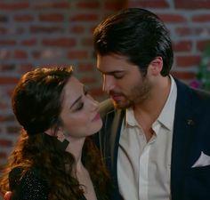 Nazlı & Ferit ( Özge Gürel and Can Yaman) in Dolunay Turkish Men, Turkish Actors, Pleasing People, Spanish Men, Famous In Love, Jane The Virgin, Man Bun, Baby Skin, Action