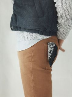 Bandana in your back pocket - such an easy though supercool touch.
