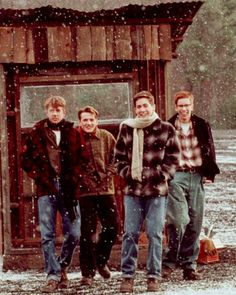 October Sky♥ i just saw this movie the other day(loved)