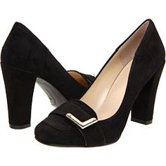 Nine West black suede pump