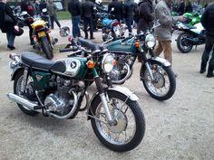 Honda 450 CB.  Réunion Vincennes mars 2015, d'autres photos, lien: http://photosdevoituresmotos.blogspot.fr/2015/03/reunion-vincennes-en-anciennes-motos-01.html