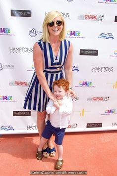 Jane Krakowski CMEE 6th Annual Family Fair at Children's Museum of the East End http://icelebz.com/events/cmee_6th_annual_family_fair_at_children_s_museum_of_the_east_end/photo2.html