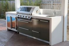 Basic Kitchen Area Concepts For Inside or Outside Kitchen areas – Outdoor Kitchen Designs Outdoor Bbq Kitchen, Outdoor Cooking Area, Outdoor Kitchen Countertops, Backyard Kitchen, Outdoor Kitchen Design, Backyard Bbq, Outdoor Kitchens, Outdoor Entertaining, Kitchen Island