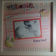 Quadro Scrapbook com Moldura Laqueada com Vidro!! Personalize a decoração do quarto do seu filho, ou enfeite a porta da Maternidade  Espaço para colocar a Foto do Bebê - Opcional Nome do Bebê na Peça - Opcional Diversas Cores e Enfeites!!  Tema: Maternidade R$ 100,00