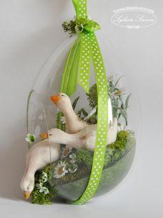 Egg Crafts, Easter Crafts, Holiday Crafts, Hoppy Easter, Easter Eggs, Wood Yard Art, Easter Flower Arrangements, Teacup Crafts, Easter 2020