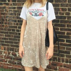 Retro tee and a slip dress Grunge Fashion, Look Fashion, 90s Fashion, Fashion Beauty, Outfit Designer, Estilo Grunge, Looks Style, Looks Cool, Mode Renaissance