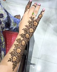 Mehndi is something that every girl want. Arabic mehndi design is another beautiful mehndi design. We will show Arabic Mehndi Designs. Henna Hand Designs, Mehandi Designs, Mehndi Designs Finger, Latest Arabic Mehndi Designs, Mehndi Designs 2018, Mehndi Designs For Girls, Modern Mehndi Designs, Mehndi Design Pictures, Mehndi Designs For Fingers
