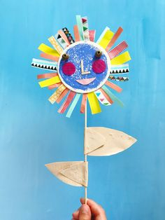 Give me the splendid silent sun with all his beams full-dazzling. Projects For Kids, Diy For Kids, Art Projects, Crafts For Kids, Arts And Crafts, Craft Activities, Preschool Crafts, Mobiles Art, Sunflower Art