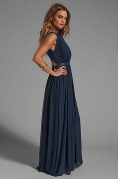 Alice + Olivia Triss Sleeveless Maxi Dress with Leather Trim en Azul marino | REVOLVE