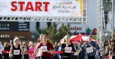 Antalya'da Kadınlar Yüksek Topuklularla yarıştı