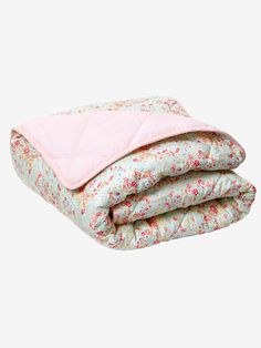 A world of tenderness for your little girl with this super girly printed quilted bedspread. Girly, Quilted Bedspreads, Square Quilt, My Baby Girl, Bed Spreads, Flower Prints, Kids Bedroom, Little Girls, Quilts