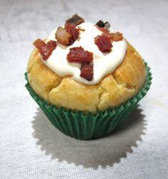 Aprenda a fazer Cupcake de Cerveja e Bacon Mini Cheesecake, Bacon, Cupcake, Muffin, Sugar, Breakfast, Desserts, Pj, Foods