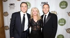 Besides Two Children The Has Also Founded Schultz Family Foundation In 1996 Ecelebrityfacts