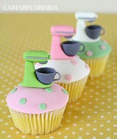 Pastel Kitchenaid Cupcakes for kitchen tea Beautiful Cupcakes, Love Cupcakes, Yummy Cupcakes, Cupcake Cookies, Fondant Cupcakes, Themed Cupcakes, Baking Cupcakes, Cupcake Toppers, Pretty Cakes