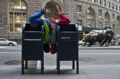 """Bodies in Urban Spaces by Cie Willi Dorner: Looking at human reactions to challenging the """"norm"""""""