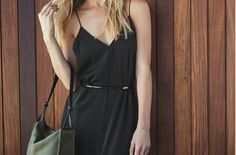 The Shoulder Bag in Moss and Black