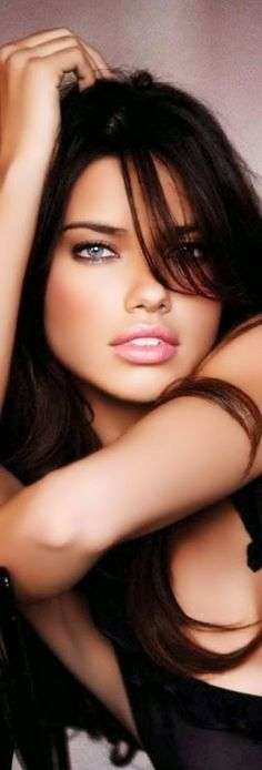 LOOKandLOVEwithLOLO: Model Behavior....Spotlight on ADRIANA LIMA