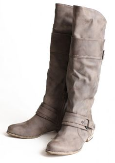 I ve been looking for a pair of boots like this FOREVER but in black n brown