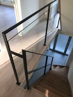 borstwering in staal en glas, trapleuning in staal