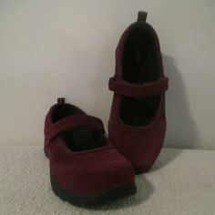 "L L Bean Mary Jane Suede Shoes Comfortable pair of suede Mary Jane shoes that are in very good condition with only gentle wear. Measurements are as follows: Length 11.5"" Width 3"" L L Bean Shoes Flats & Loafers"