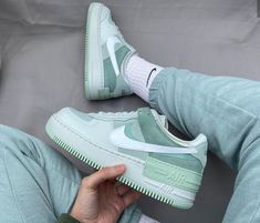 Zapatos Nike Air, Nike Air Shoes, Beige Sneakers, Shoes Sneakers, Dream Shoes, New Shoes, Nike Air Force, Mint Green Shoes, Aesthetic Shoes