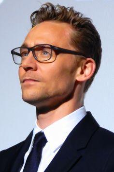 Tom Hiddleston at the High Rise premiere during London Film Festival (09.10.15) Source: http://tom-hiddleston-interviews.tumblr.com/post/130963485159/chronoculture-tom-hiddleston-at-the-high-rise