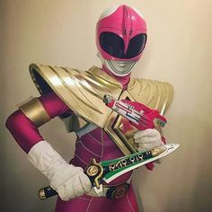 Pink Ranger Cosplay - COSPLAY IS BAEEE! Tap the pin now to grab yourself some BAE Cosplay leggings and shirts! From super hero fitness leggings, super hero fitness shirts, and so much more that wil make you say YASSS! Power Rangers In Space, Pink Power Rangers, Justice League Team, Jesus Reyes, Vr Troopers, Power Rangers Cosplay, 2000s Cartoons, Power Rangers Megazord, Dragon Shield