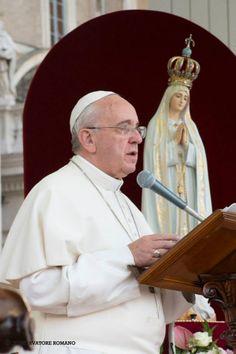 Pape François - Pope Francis - Papa Francesco - Papa Francisco - 12 oct 2013 Accueil de la statue de ND de Fatima sur la Place St Pierre : catéchèse sur la foi de Marie