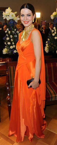 . Celebs, Celebrities, Catwalk, Red Carpet, Hot Girls, Beautiful Women, Singer, Style Inspiration, Formal Dresses