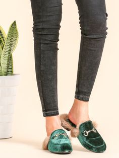 Shop Dark Green Velvet Fur Lined Loafer Slippers online. SheIn offers Dark Green Velvet Fur Lined Loafer Slippers & more to fit your fashionable needs.