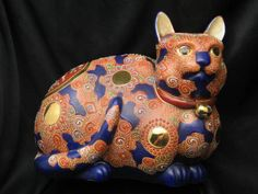 Large-and-Beautiful-Antique-Signed-Satsuma-Cat-with-Cobalt-Blue-Spots