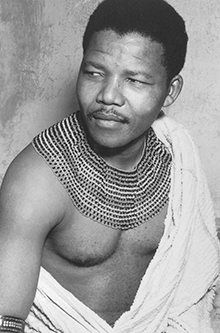 Nelson Mandela wearing an authentic beaded necklace of the Thembu clan. Source: News Limited. - Nelson Mandela belonged to the Thembu tribe, one of the main tribes of the Xhosa people of South Africa. Nelson Mandela Pictures, Nelson Mandela Young, Inspirer Les Gens, Apartheid, Charles Darwin, My Black Is Beautiful, Beautiful People, People Of The World, African American History