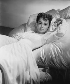 OLIVIA DE HAVILLAND ~ 1940s