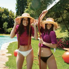 Perfect Sisters, Sister Pictures, Love Pictures, Charlie Video, Sisters Forever, Famous Girls, The Most Beautiful Girl, Bikini Pictures, Celebs