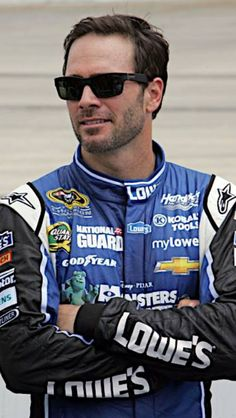 Jimmie Johnson, Charlotte, 5th chase race. Led 130 laps of 334. Started: 4th Finished: 4th. Stayed 2nd, -4 points behind points leader Matt Kenseth