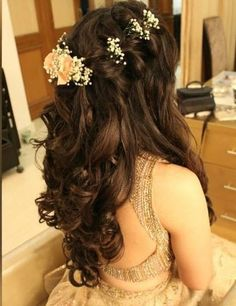 Quince Hairstyles, Open Hairstyles, Indian Bridal Hairstyles, Bride Hairstyles, Hairdos, Flower Hairstyles, Creative Hairstyles, Beautiful Hairstyles, Hairstyle For Wedding Day